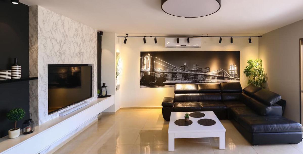 עיצוב סלון שחור לבן